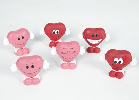 Red-pink mini polyresin hearts